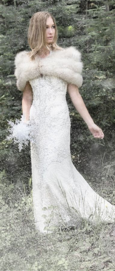 Stunning snowflake bridal bouquet!  #winterweddings #bridalbouquets