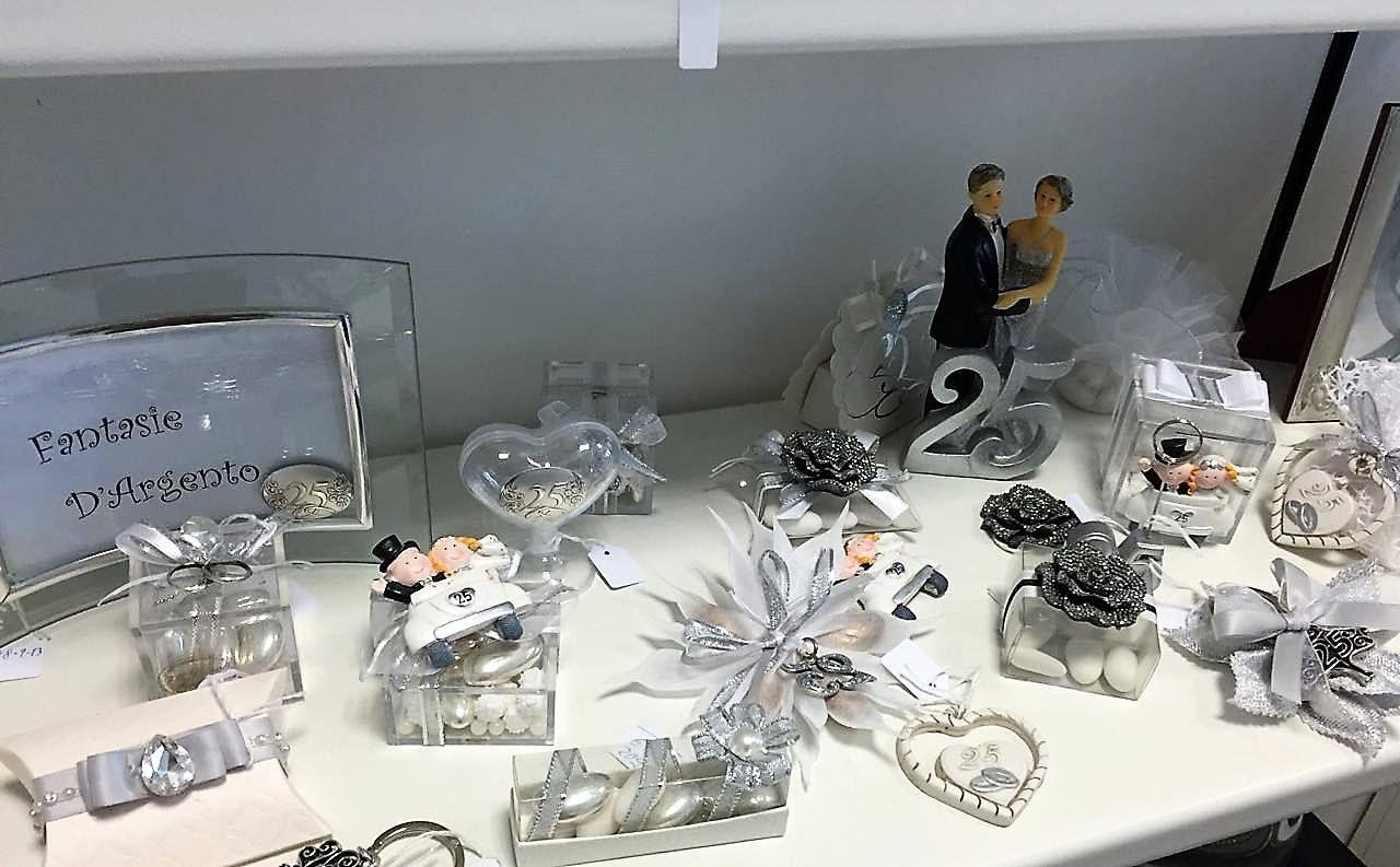 Nozze Argento Bomboniere Per Festeggiare Il Tuo 25esimo Anniversario Di Matrimonio Bombonierashop Bomboniereno Anniversario Di Matrimonio Nozze Bomboniere