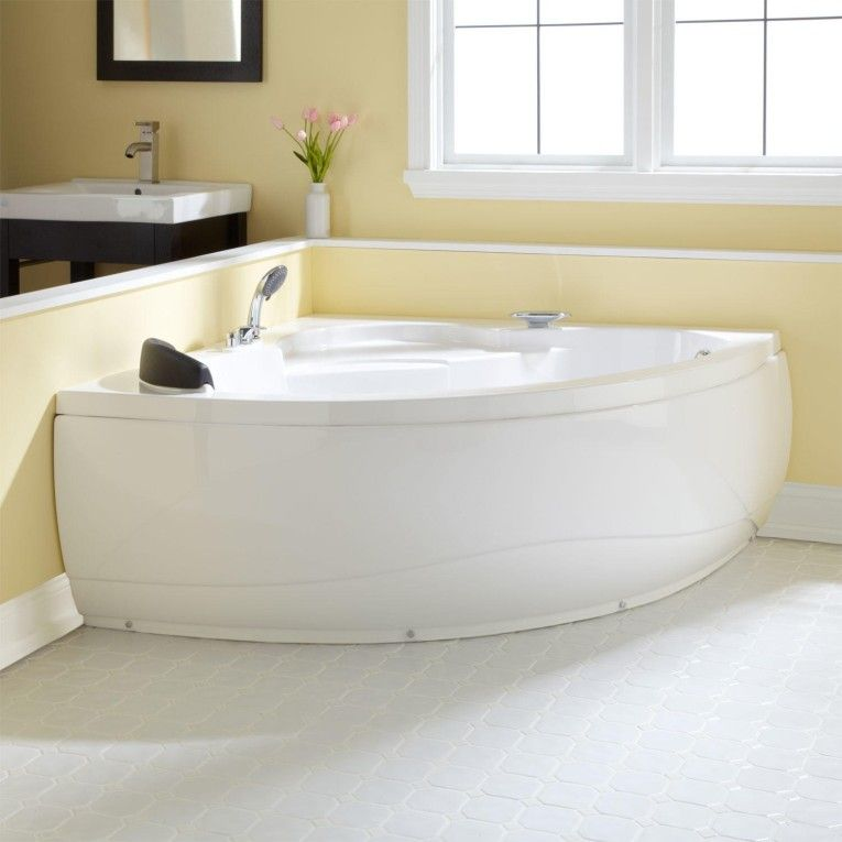 A Sleek Rectangular Shape And No Frills Design Make The Aliyah Acrylic Corner Tub Suitable Addition To Minimalist Or Other Modern Bathroom Decor