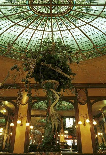 10 Places To Dine A La Belle Epoque In Paris With Images Belle