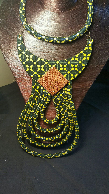 "Très beau collier "" Makeda"" en wax"