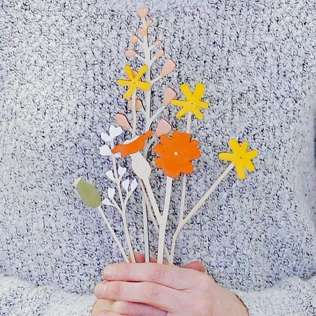 Perfect day for flower picking ;) #meadowflowers #woodenflowers #handmade #annawiscombe #spring