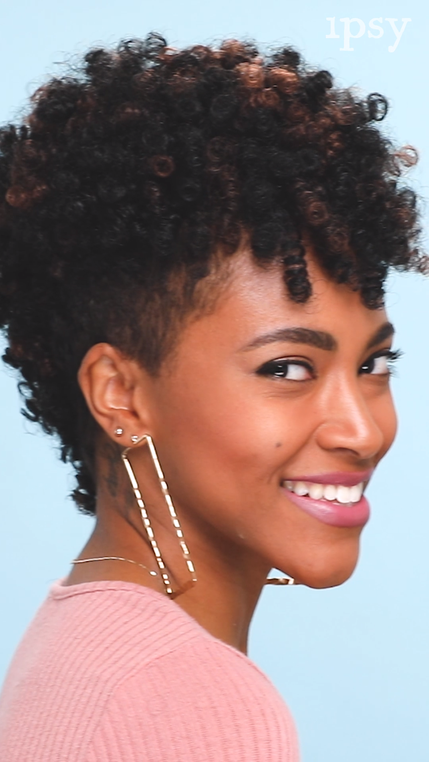 How To: Crochet Braids Mohawk | ipsy Mane Event: Take your hair to new heights with our mohawk crochet braid tutorial! #crochetbraids