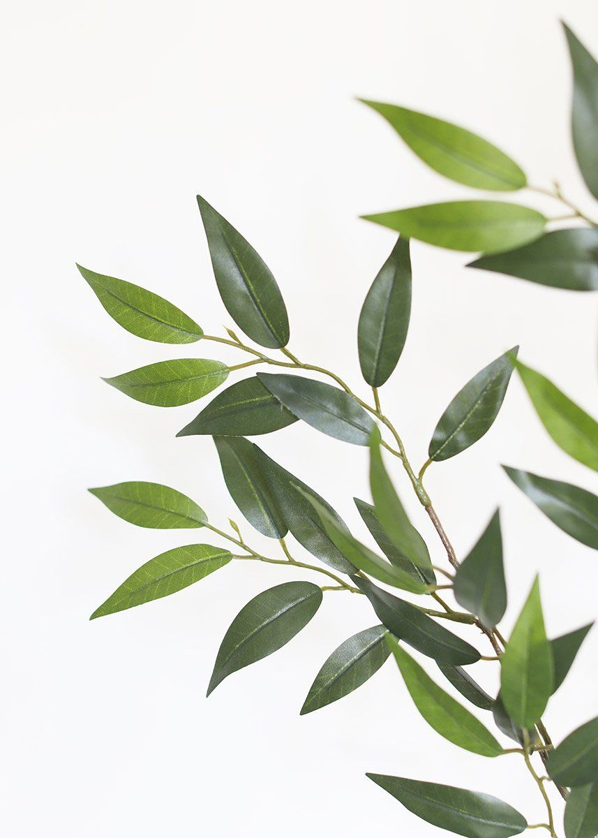Looking for artificial wedding greenery? Check out this adorable, artificial smilax leaf spray in green. These full green smilax leaves are perfect to add to any bridal bouquet for lush green color.  Green 27