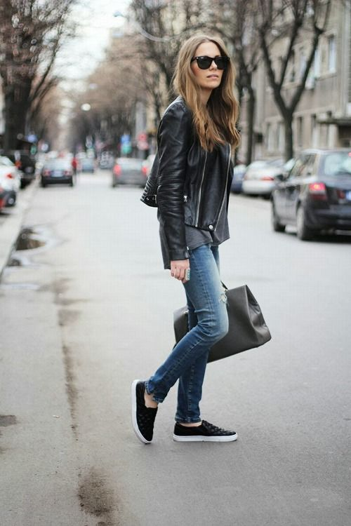 4c98359199 Leather jacket + jeans + sneakers