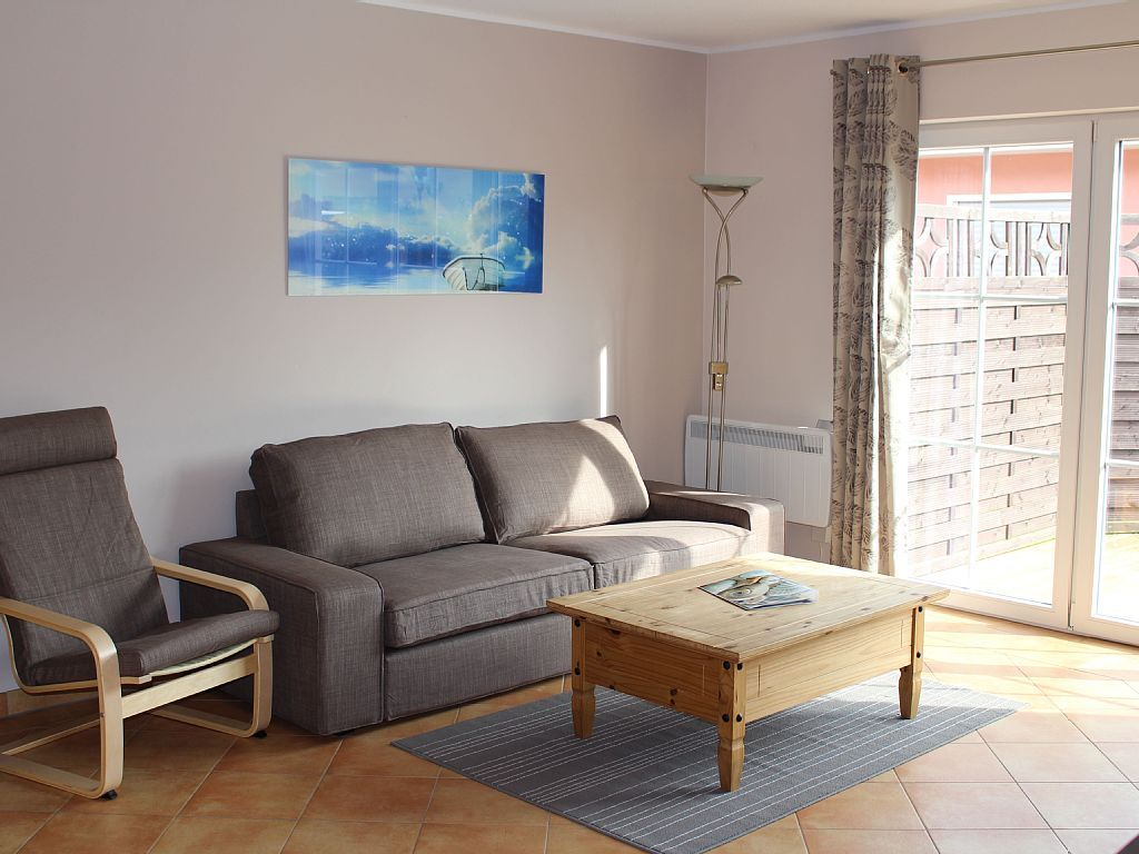 Ferienhaus Boddensurfer in Pruchten: 2 Schlafzimmer, für bis zu 4 Personen, ab 550 € pro Woche. komfortabel eingerichtete Feriendoppelhaushälfte mit Sauna und Kamin | FeWo-direkt