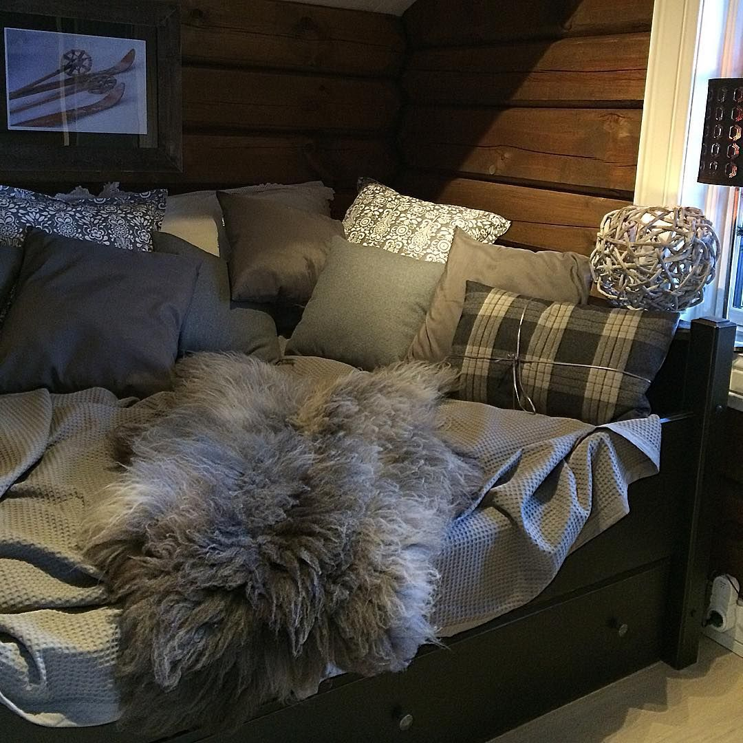 """""""A place for sleep and relax ⭐️#tyrilin #interior4all #123hytteinspirasjon #123interior #cabin#cottage#ninterior#interior123 #interior444…"""""""