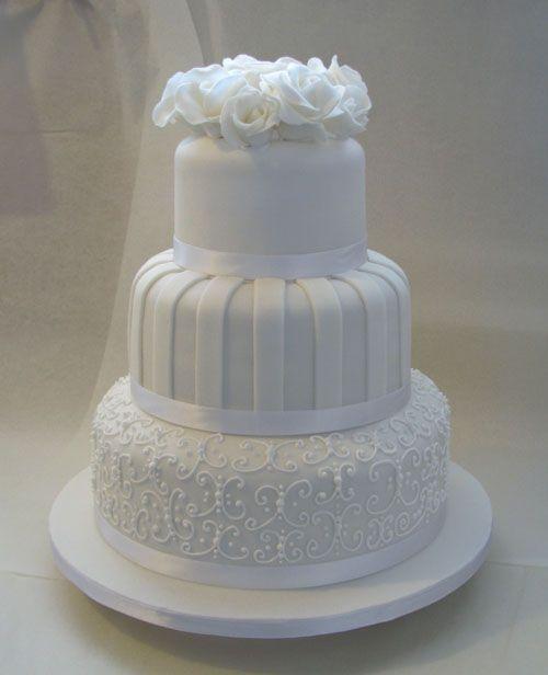 Cake Wedding With White Roses
