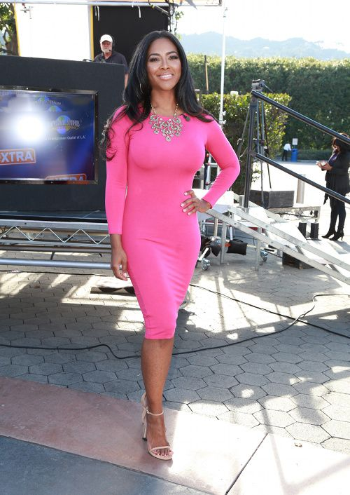 Splurge  Kenya Moore s Extra 5th   Mercer Hot Pink Fuchsia Long Sleeve  Bodycon Dress 27ba309df