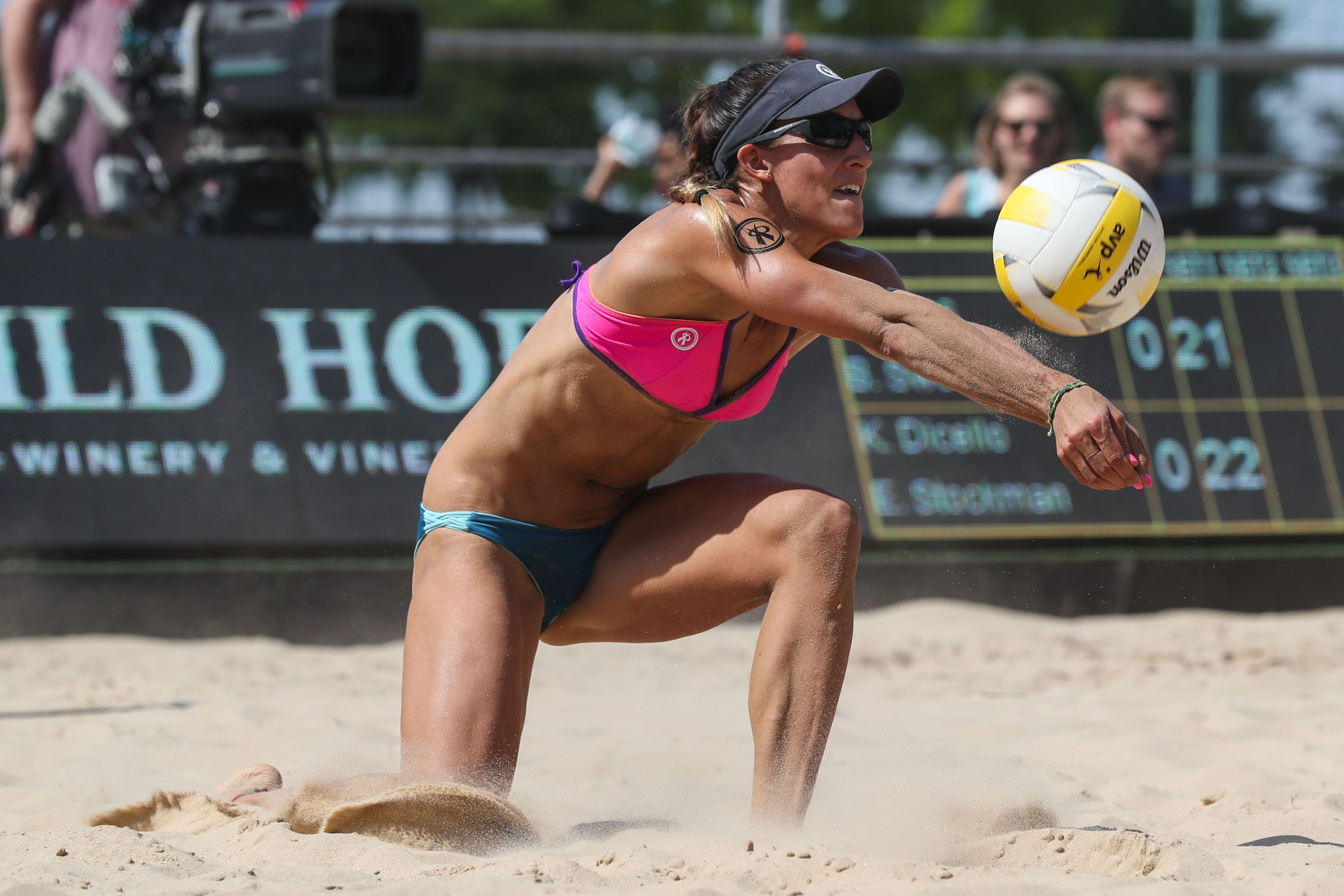 Avp Gold Series New York City Open 2017 Photo Gallery Avp Beach Volleyball Beach Volleyball Women Volleyball Volleyball Articles