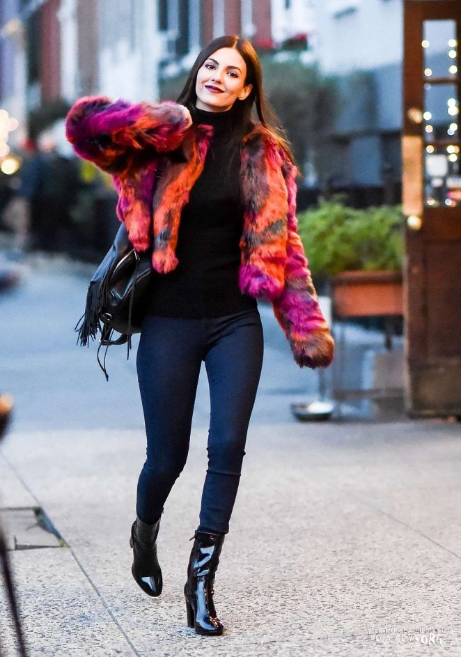 Pin By Christopher On Street Style Victoria Justice Victoria Justice Outfits Victoria Justice Style Victoria Justice