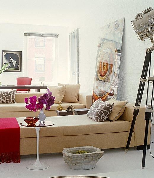 Best Seven Dreamy Ways To Use A Daybed Livingroom Layout 400 x 300