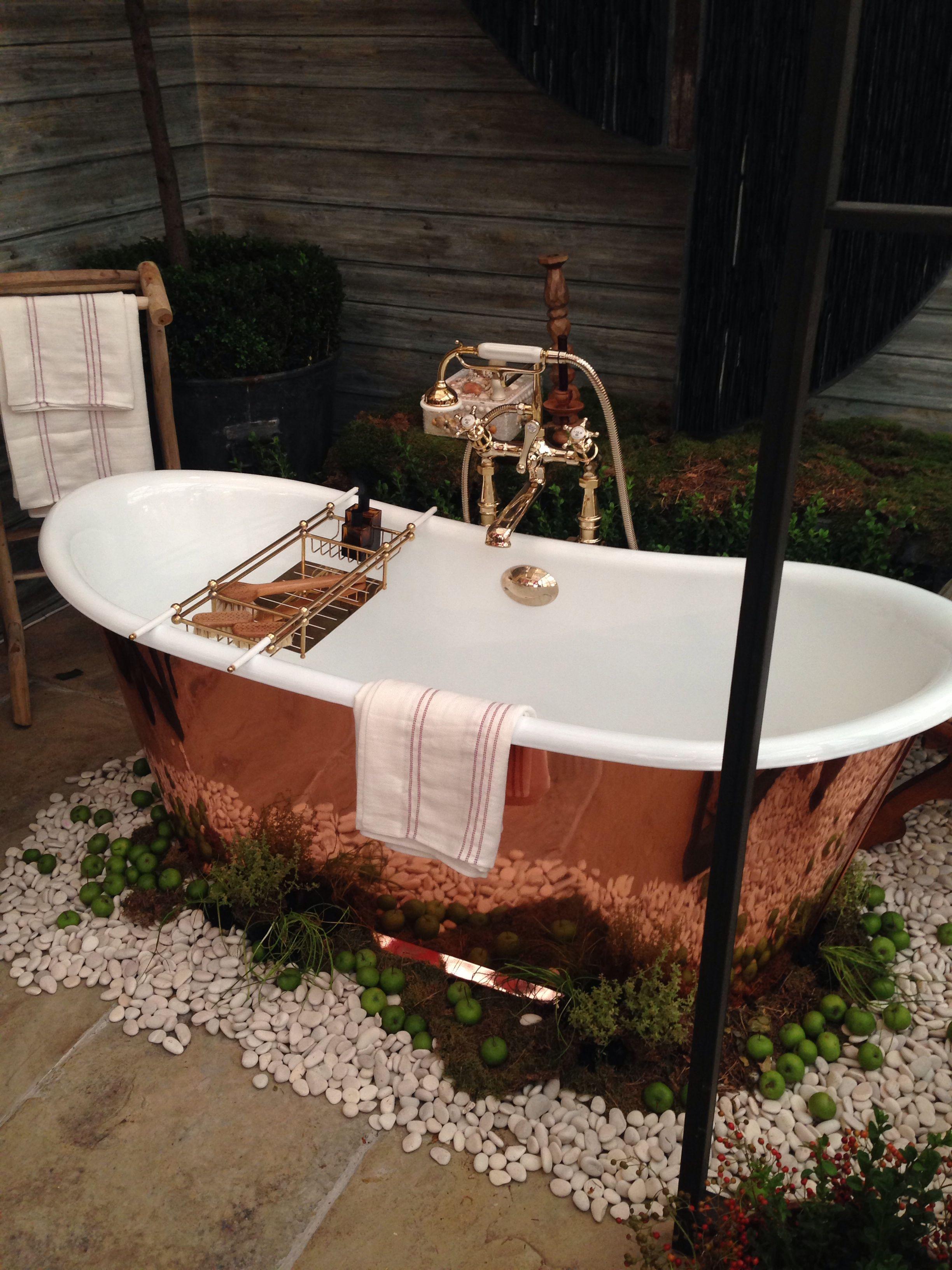 Copper Tub Sits In An Outside Garden Bathroom So Pretty