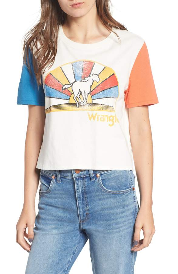 295b8c4bc Wrangler Horse Graphic Crop Tee | And their off en 2019 | Graphic ...