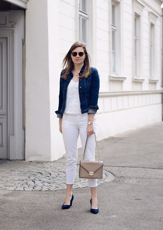 cheaper dd7aa d9bc3 Fashionblogger Outfit, Jeansjacke, Jeansjacke kombinieren ...