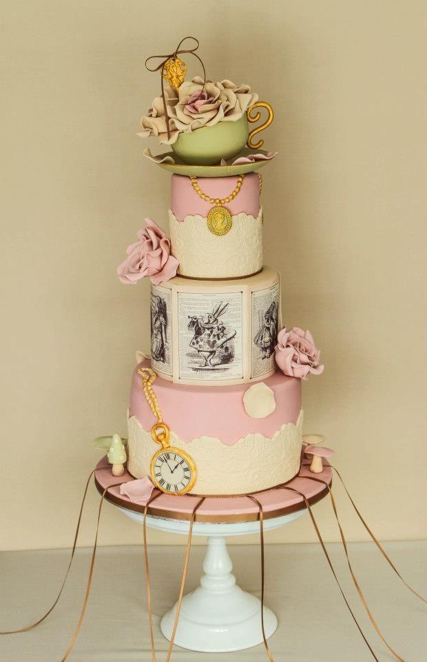 Chic Alice In Wonderland Wedding Wonderland Wedding Cake Alice
