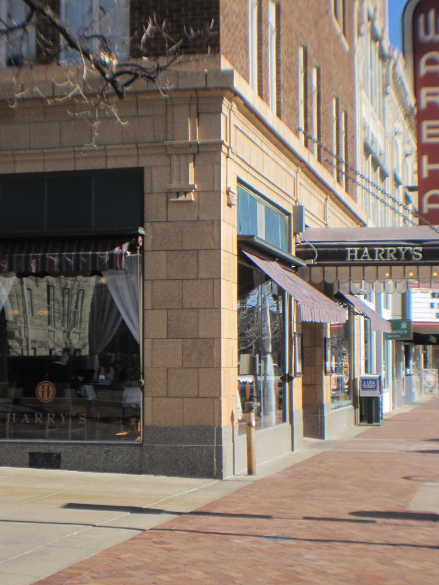 Downtown Manhattan On Poyntz Avenue There Are Shops Restaurants