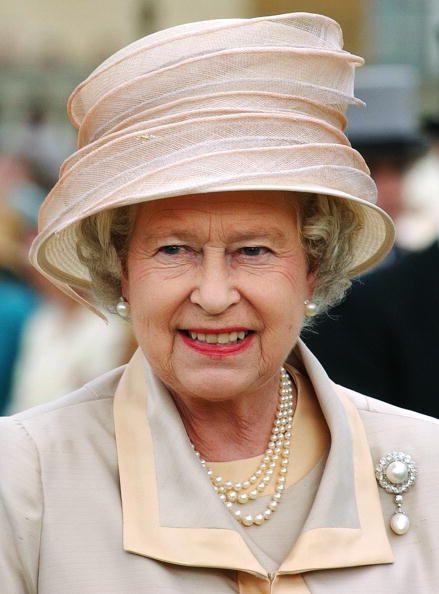 Queen Elizabeth, 2003 MY PERSONAL BUCKET LIST .. ON IT HAVE HIGH TEA WITH QUEEN ELIZABETH