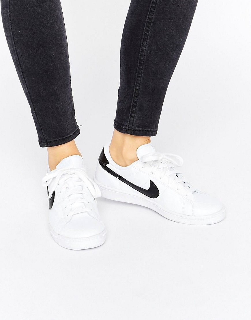 pestillo Fuera de borda insuficiente  Buy it now. Nike Tennis Classic Trainers In White And Black - White.  Trainers by Nike, Leather upper, Lace-up fastening, Sig… | Nike tenis, Nike,  Tenis nike blancos