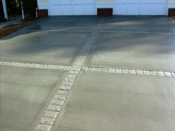 Broom Finish Concrete Driveway With Border Stamp Joints Concrete