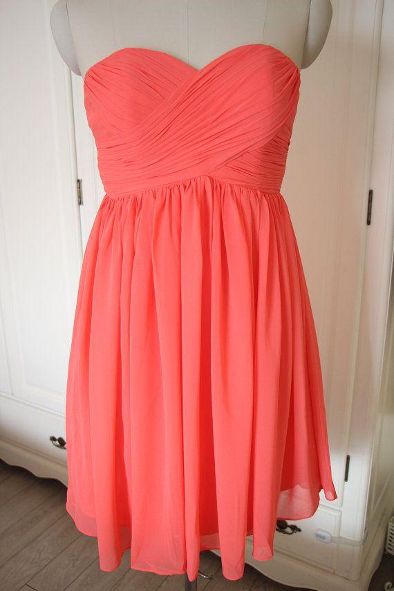8dd080c2ca4 Coral Short Sweetheart Bridesmaid Dress Knee-length Chiffon Coral Strapless  Bridesmaid Dress