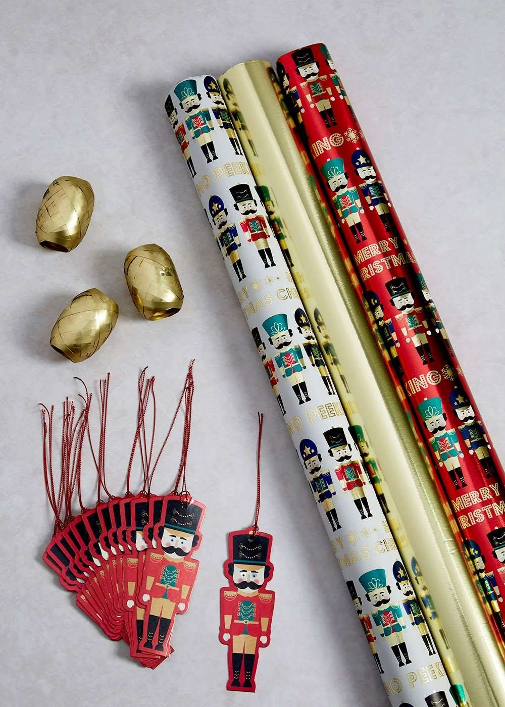 Christmas Shop (With images) | Shop decoration, Thoughtful ...