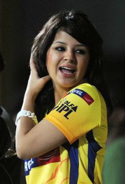 Awe Inspiring Looking For Sakshi Dhoni Wiki Age Biography Height And Complete Short Hairstyles Gunalazisus