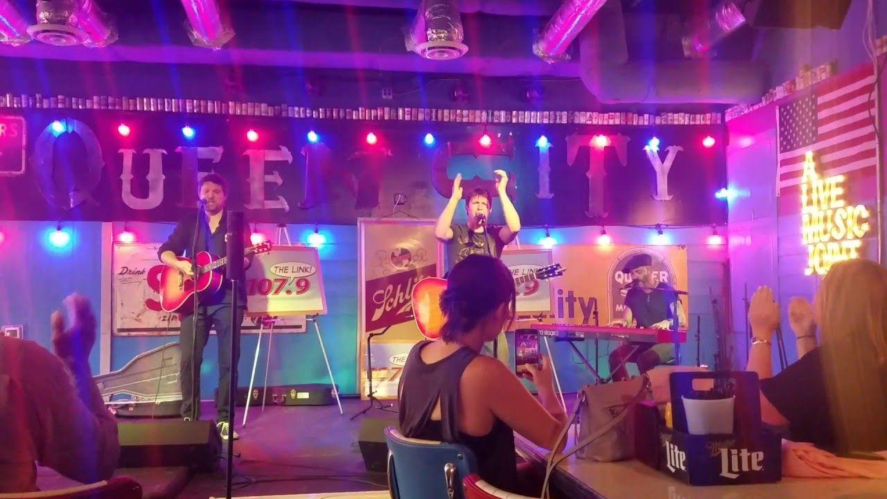 James Blunt Performs U0027OKu0027 At The Tin Roof, Charlotte, North Carolina 03.09