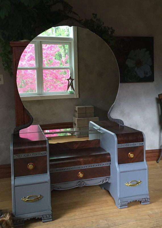 Vintage Vanity With Large Round Mirror Large Round Mirror Vintage Vanity Round Mirrors