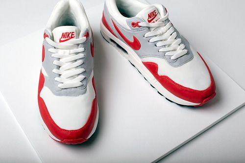 Nike Air Max 1 OG Red sneaker cake