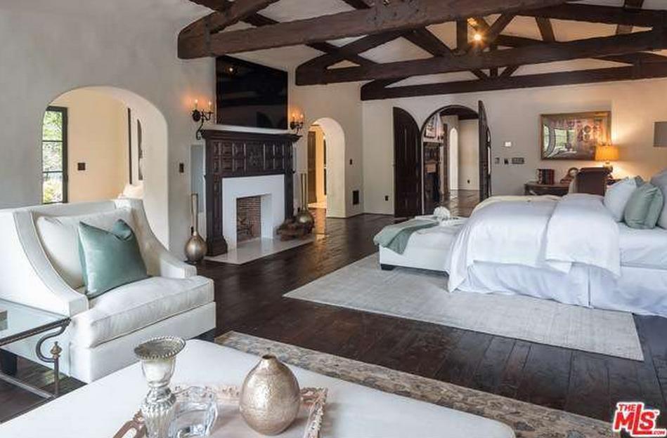Master Bedroom | Luxury Home Decor in 2019 | Master Bedroom ...