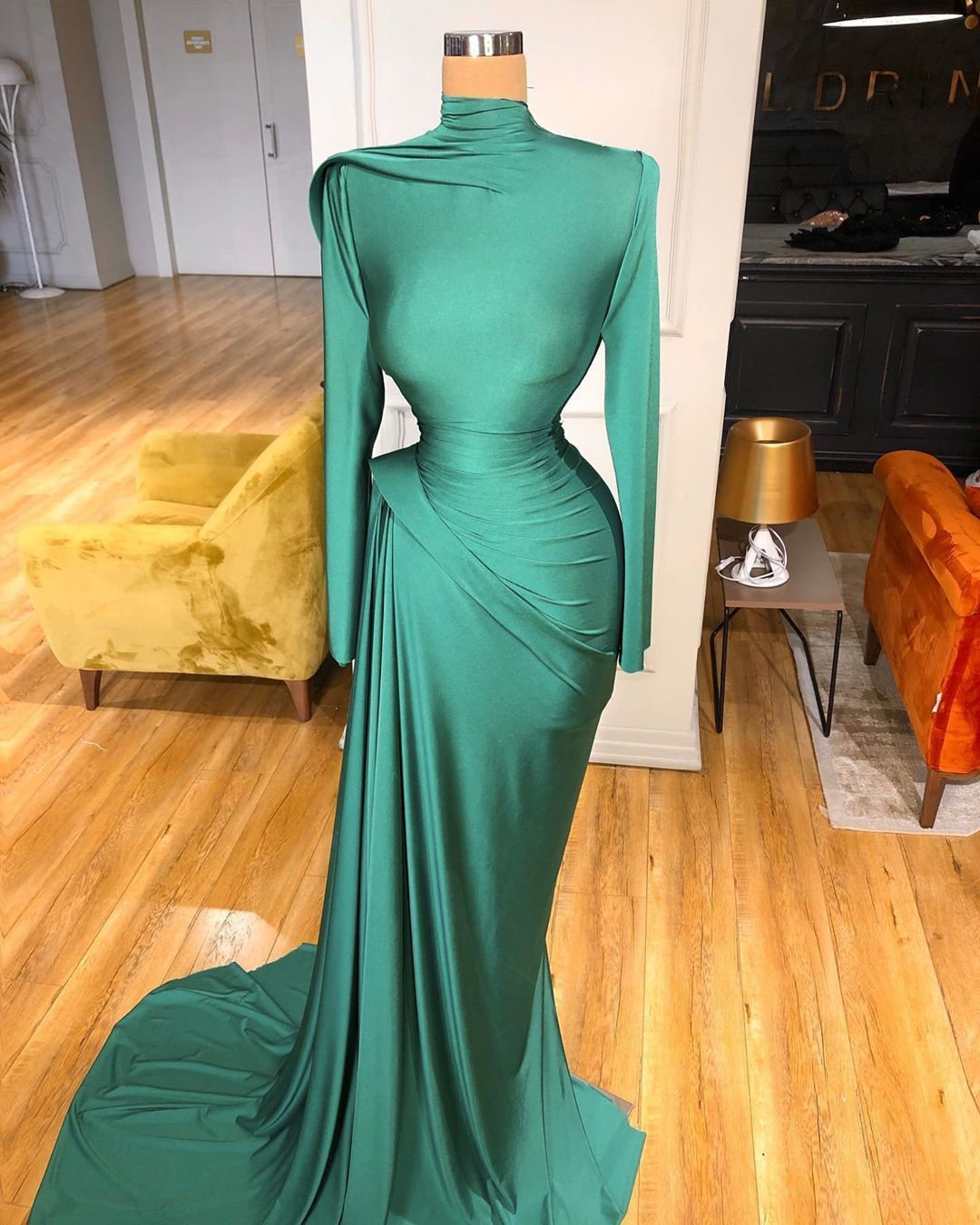 Stunning Valdrin Sahiti Custom Couture Gown Find The Perfect Gown With Pageant Planet Browse All Prom Dresses With Sleeves Soiree Dress Pageant Evening Gowns [ 1350 x 1080 Pixel ]