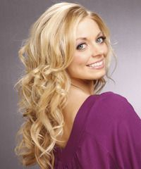 Waves galore in this long length hairdo.