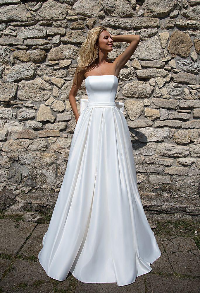 0aa26880cfe6 Semplice Senza Spalline lungo Svasato principessa Fiocco Bianco Raso Abito  da sposa