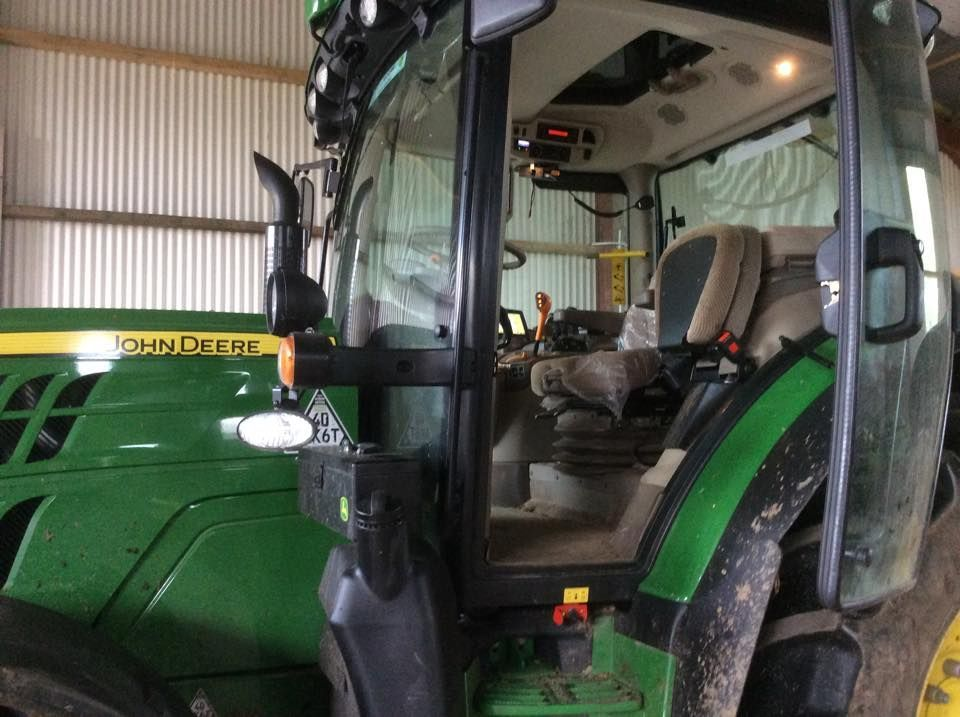 Tractor With Radio : John deere tractor fitted with a parrot hands free kit and