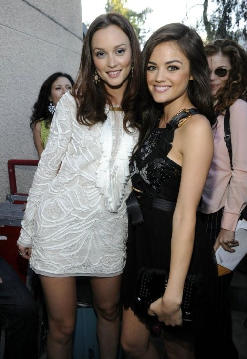Photo of Leighton Meester og Lucy hale