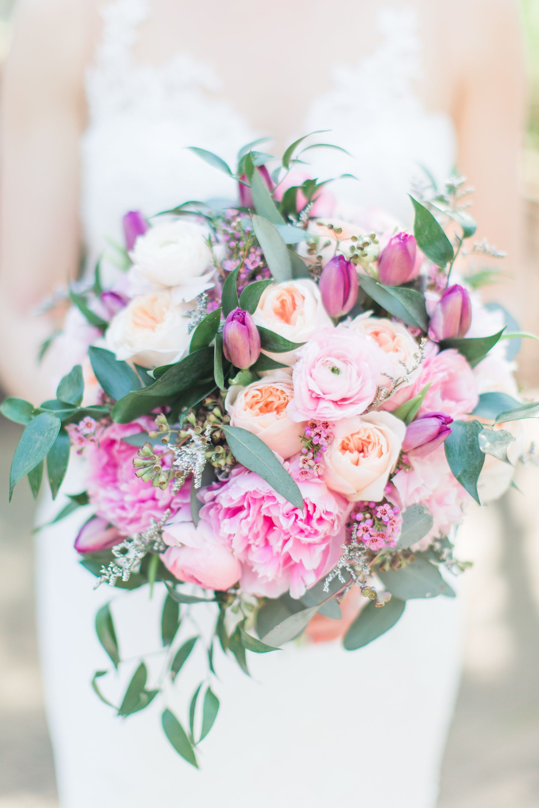 52 Ideas for Your Spring Wedding Bouquet Spring wedding