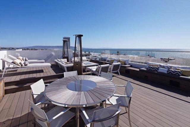 dachterrasse-wpc-dielenboden-glas-gelaender-blick-meer Terrasse - terrassen gelander design