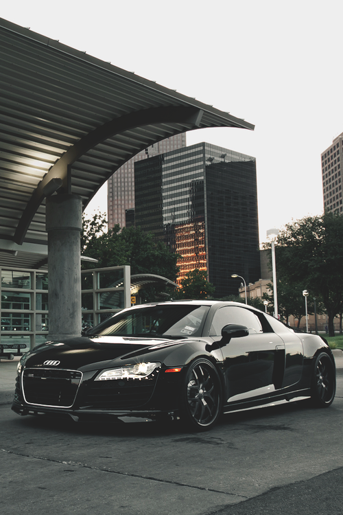 We like this Audi R8. U'll never go wrong with black. With our products this beauty will shine even more! Waterless power.  Clean your car eco friendly, intelligent carwash - http://www.ecogreenautoclean.nl