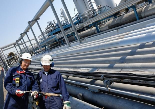 No  Petroleum Engineer  In Photos The  BestPaying Jobs Of