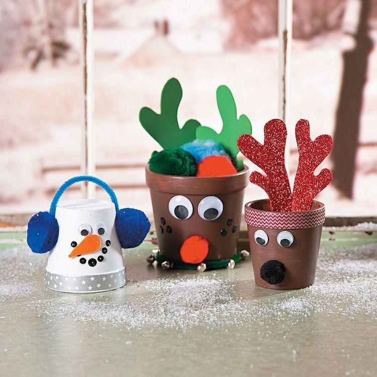 basteln mit blument pfen zu weihnachten kinder tannenbaum. Black Bedroom Furniture Sets. Home Design Ideas