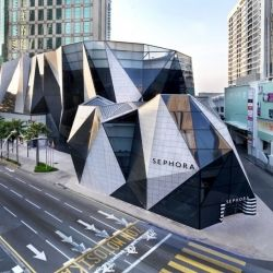 Another iconic building in Kuala Lumpur. Built by the team that designed the famous Paris Louvre's Pyramid. #dwellinggawker