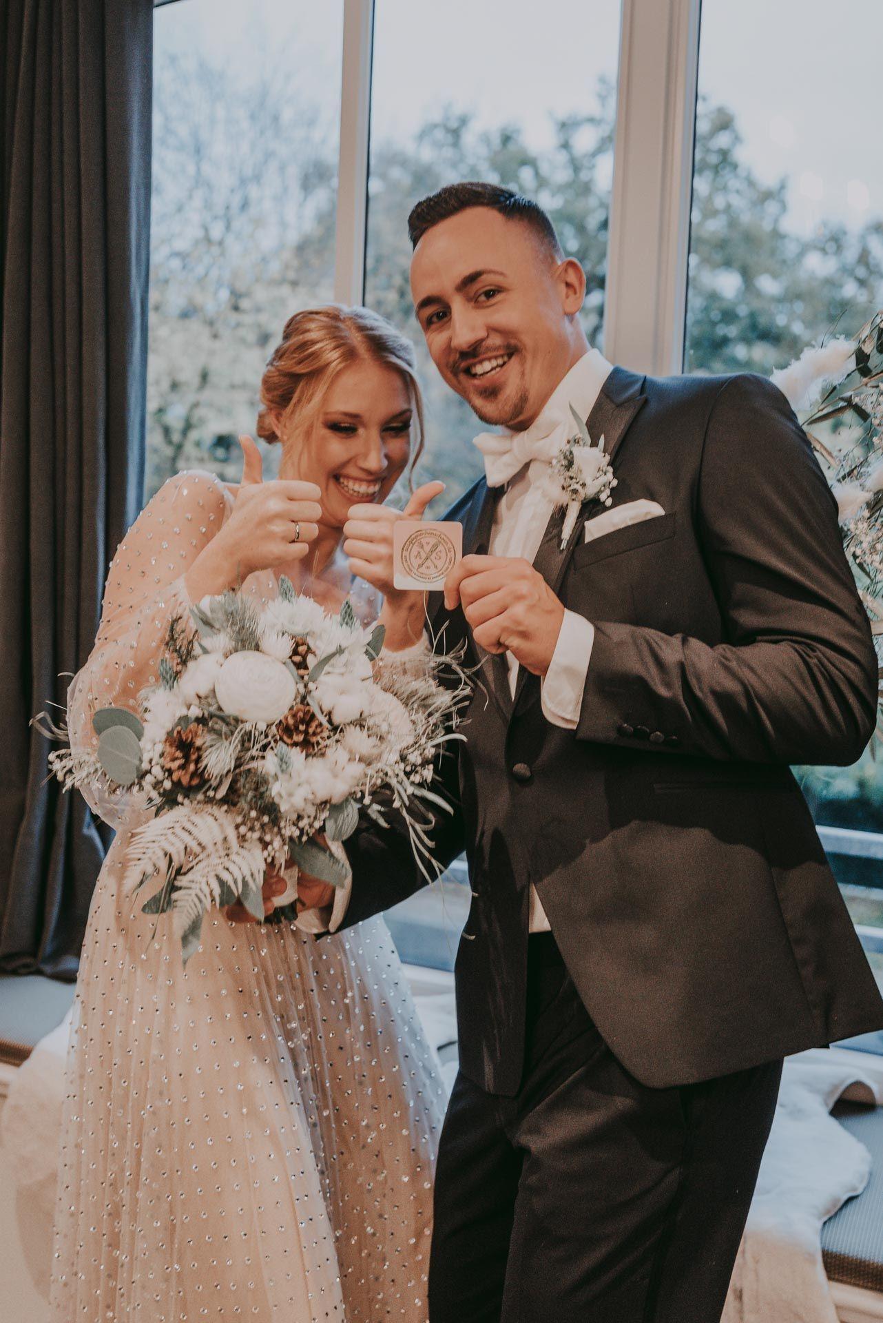 Moderner Brautstrauss Winterhochzeit Kleine Hochzeit Braut