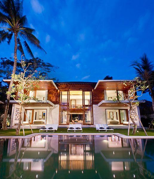 Pin By Tom Andrews On Dream Home Ideas Luxury Beach House Beach House Exterior Florida Beach House Decor