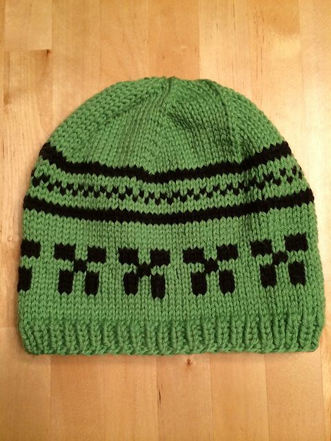 176abb337a52b Ravelry  Bikerbitch69 s Minecraft hats Bufandas
