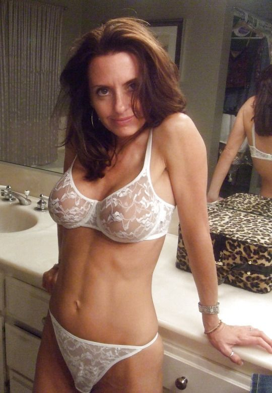 woman bra and in panties Mature