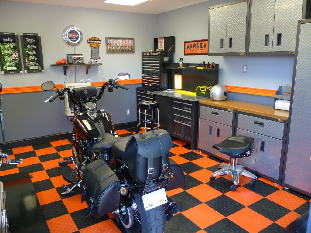 My New Harley Man Cave For My Xbones Harley Davidson Forums Garage Paint Motorcycle Garage Harley Men