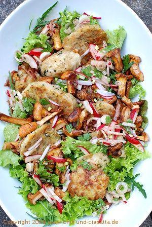 gebratener semmelkn del salat mit pfifferlingen 365 salate oder mehr pinterest salat. Black Bedroom Furniture Sets. Home Design Ideas