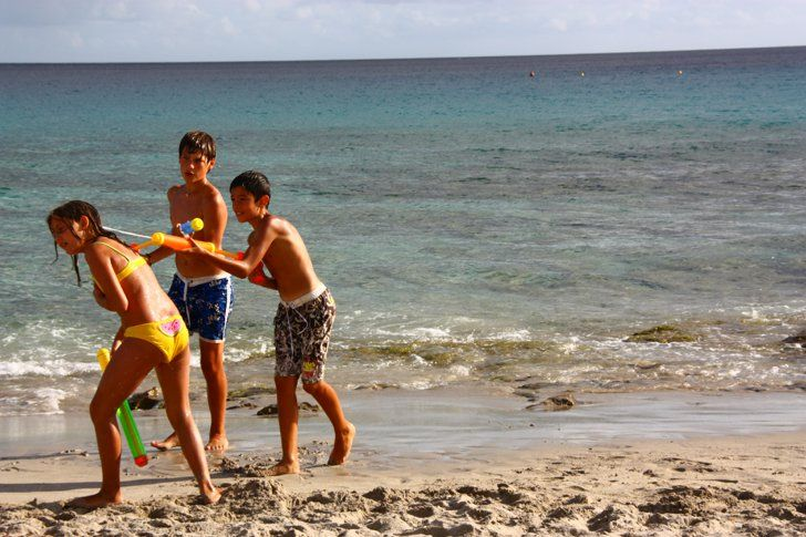 Pin for Later: 13 Ways to Beat Beach-Time Boredom Fight in a Water War