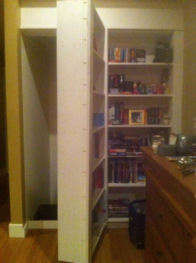 Why you shouldn't look behind your bookcase Creepy